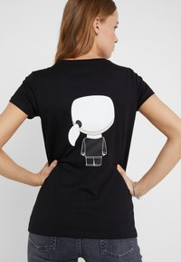 KARL LAGERFELD - IKONIK - Camiseta estampada - black - 6
