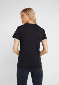 KARL LAGERFELD - IKONIK LOGO - T-shirts med print - black - 2