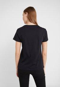 KARL LAGERFELD - IKONIK CHOUPETTE TEE - Print T-shirt - black - 2