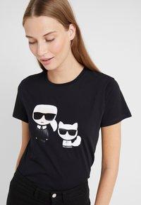 KARL LAGERFELD - IKONIK CHOUPETTE TEE - Print T-shirt - black - 4