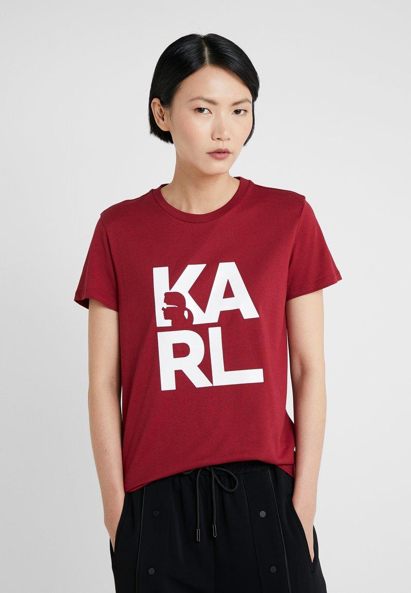 KARL LAGERFELD - SQUARE LOGO TEE - Camiseta estampada - burgundy
