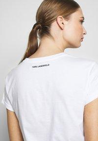 KARL LAGERFELD - ADDRESS POCKET TEE - Jednoduché triko - white - 5