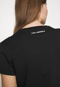 KARL LAGERFELD - PROFILE TEE - T-shirt z nadrukiem - black - 5
