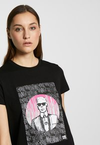 KARL LAGERFELD - ENDLESS - T-shirt z nadrukiem - black - 4