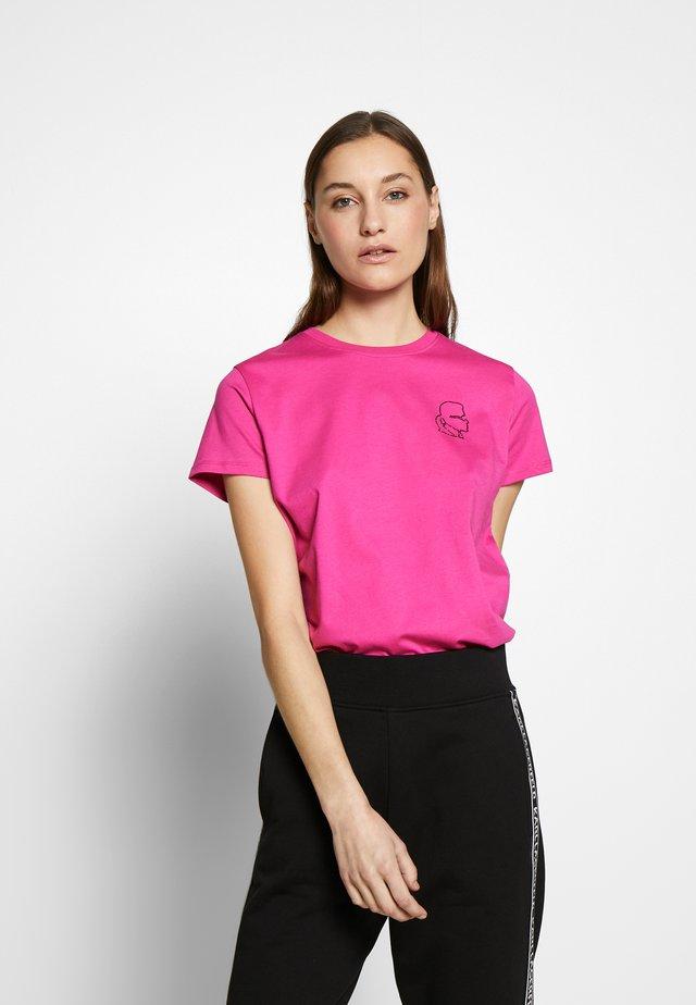 MINI KARL PROFILE RHINESTONE - Jednoduché triko - bright pink