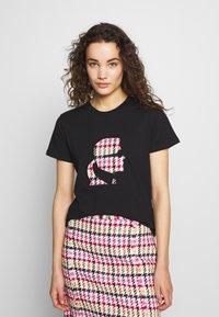 KARL LAGERFELD - BOUCLE HEAD - Camiseta estampada - black - 0