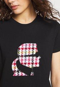 KARL LAGERFELD - BOUCLE HEAD - Camiseta estampada - black - 6