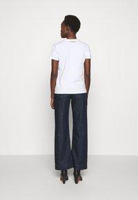 KARL LAGERFELD - PIXEL CHOUPETTE - T-shirt print - white - 2