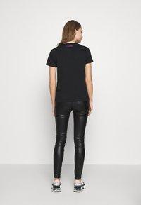 KARL LAGERFELD - KARL IKONIK  - T-shirt print - black - 2