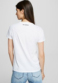 KARL LAGERFELD - OUTLINE  - Print T-shirt - white - 2