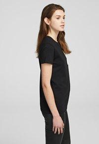 KARL LAGERFELD - Basic T-shirt - black - 3