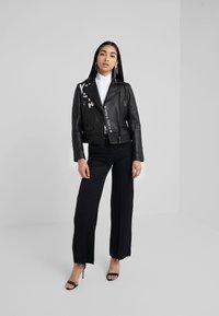 KARL LAGERFELD - PLEATED PLASTRON POPLIN - Button-down blouse - white - 1
