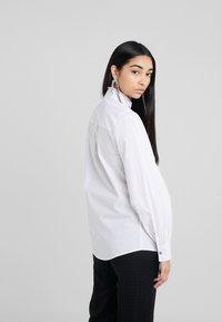 KARL LAGERFELD - PLEATED PLASTRON POPLIN - Button-down blouse - white - 2