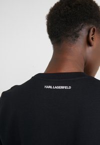 KARL LAGERFELD - KARL'S TREASURE KNIGHT SWEAT - Sudadera - black - 5