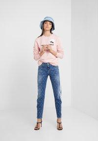 KARL LAGERFELD - DOTS - Jeans Skinny Fit - blue denim - 1