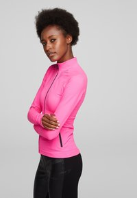 KARL LAGERFELD - R.ST-GUILLAUME  - Trainingsvest - bright pink - 3