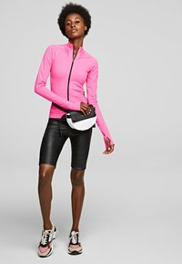 KARL LAGERFELD - R.ST-GUILLAUME  - Trainingsvest - bright pink - 1