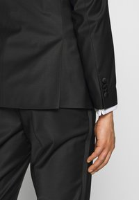 KARL LAGERFELD - SUIT TIGHT SET - Suit - black - 6
