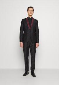 KARL LAGERFELD - SUIT FUN - Suit - black/burgundy - 0
