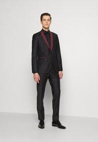 KARL LAGERFELD - SUIT FUN - Suit - black/burgundy - 1