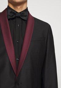KARL LAGERFELD - SUIT FUN - Suit - black/burgundy - 6