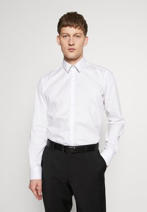 MODERN FIT - Chemise classique - white