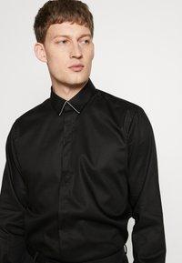 KARL LAGERFELD - MODERN FIT - Formální košile - black - 3