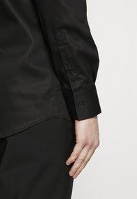 KARL LAGERFELD - MODERN FIT - Formal shirt - black - 5