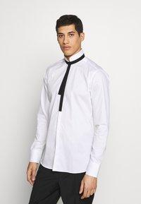 KARL LAGERFELD - SHIRT MODERN FIT - Formal shirt - white - 0