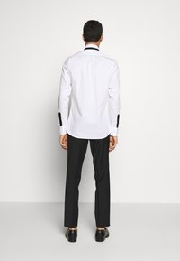 KARL LAGERFELD - SHIRT MODERN FIT - Formal shirt - white - 2