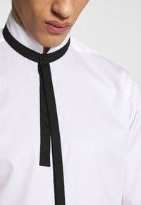 KARL LAGERFELD - SHIRT MODERN FIT - Formal shirt - white - 6