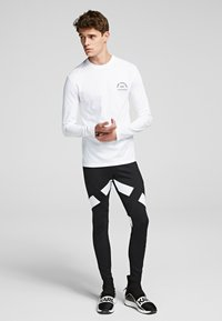 KARL LAGERFELD - KARL LAGERFELD RUE - Langærmede T-shirts - white - 1