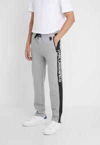 KARL LAGERFELD - PANTS - Pantalon de survêtement - grey - 0