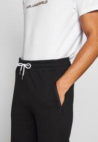 KARL LAGERFELD - PANTS - Pantaloni sportivi - black - 3