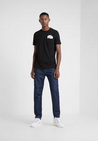 KARL LAGERFELD - CREWNECK - T-Shirt print - black - 1