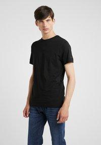 KARL LAGERFELD - CREW NECK 2 PACK - T-shirt basic - black - 1