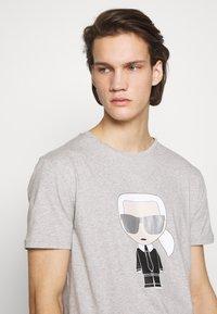 KARL LAGERFELD - CREWNECK - Print T-shirt - grey - 3