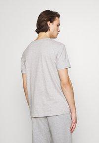 KARL LAGERFELD - CREWNECK - Print T-shirt - grey - 2