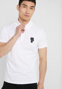 KARL LAGERFELD - POLO - Koszulka polo - white - 3