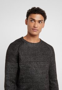 KARL LAGERFELD - KNIT CREWNECK  - Pullover - carbon - 5