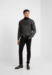 KARL LAGERFELD - KNIT CREWNECK  - Pullover - carbon - 1
