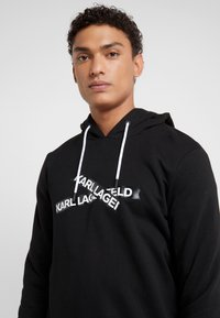 KARL LAGERFELD - HOODY - Jersey con capucha - black - 5