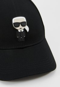 KARL LAGERFELD - IKONIK CAP - Pet - black - 5