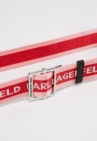KARL LAGERFELD - LOGO WEBBING BELT - Pásek - cerise - 4