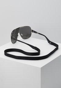 KARL LAGERFELD - CARINE MASK - Okulary przeciwsłoneczne - black - 3