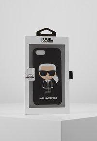 KARL LAGERFELD - IKONIK 8 - Obal na telefon - black - 5
