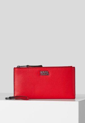 K/PEBBLE  - Wallet - a517 chili