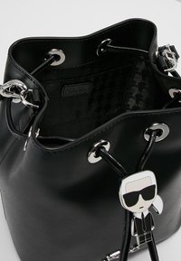 KARL LAGERFELD - IKONIK BUCKET BAG - Kabelka - black - 4
