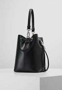 KARL LAGERFELD - IKONIK BUCKET BAG - Kabelka - black - 3