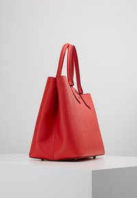KARL LAGERFELD - Handbag - strawberry - 3